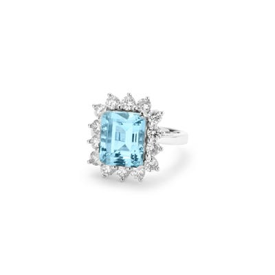 Aquamarine Diamond Ring mounted in White Gold