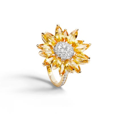 Small Daisy Heritage Ring, Yellow Sapphire