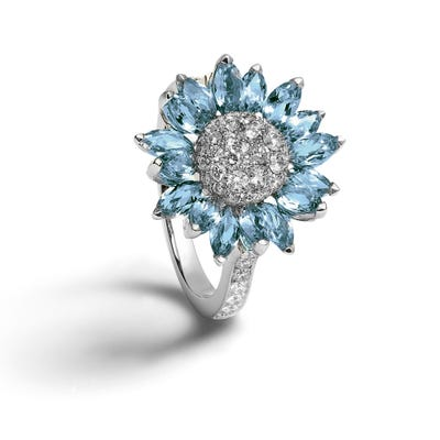 Daisy Heritage Ring 18ct White Gold, Aquamarine